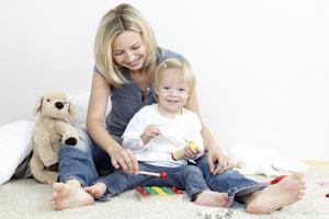 Bild Mutter und Kind musizieren