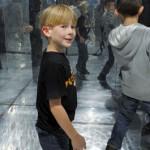 Bild: MACHmit! Museum für Kinder - Kinder im Spiegelkabinett