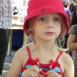 Bild - Mädchen mit Halskette