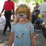 Bild - Mädchen mit Katzengesicht