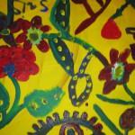 Bild: gemaltes Bild - bunte Blumen auf gelbem Hintergrund