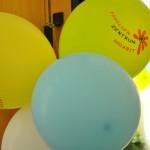 Bild: Luftballons mit dem Logo vom FZM