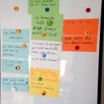 Bild: Clipboard mit verschiedenfarbigen Karten, die verschiedene Argumente enthalten